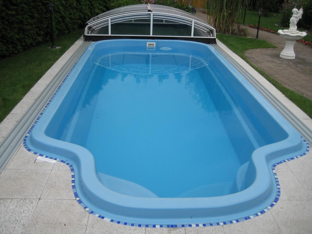 Schwimmbecken polyesterbecken for Schwimmbecken polyester